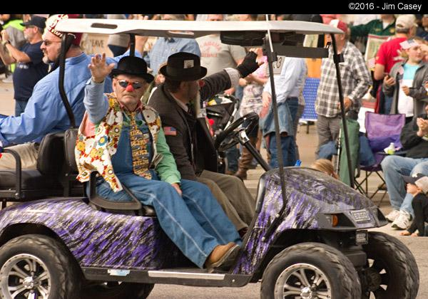 What is that clown doing in the Veteran's parade, but then, truth be knowed, there are more clowns at a Veteran's Day parade than the Ringling Bros. Circus...