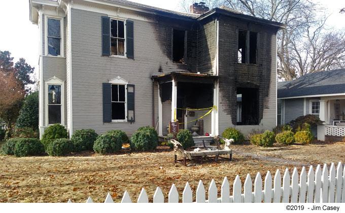 Historic Ware - Kelly House Burns In Huntsville